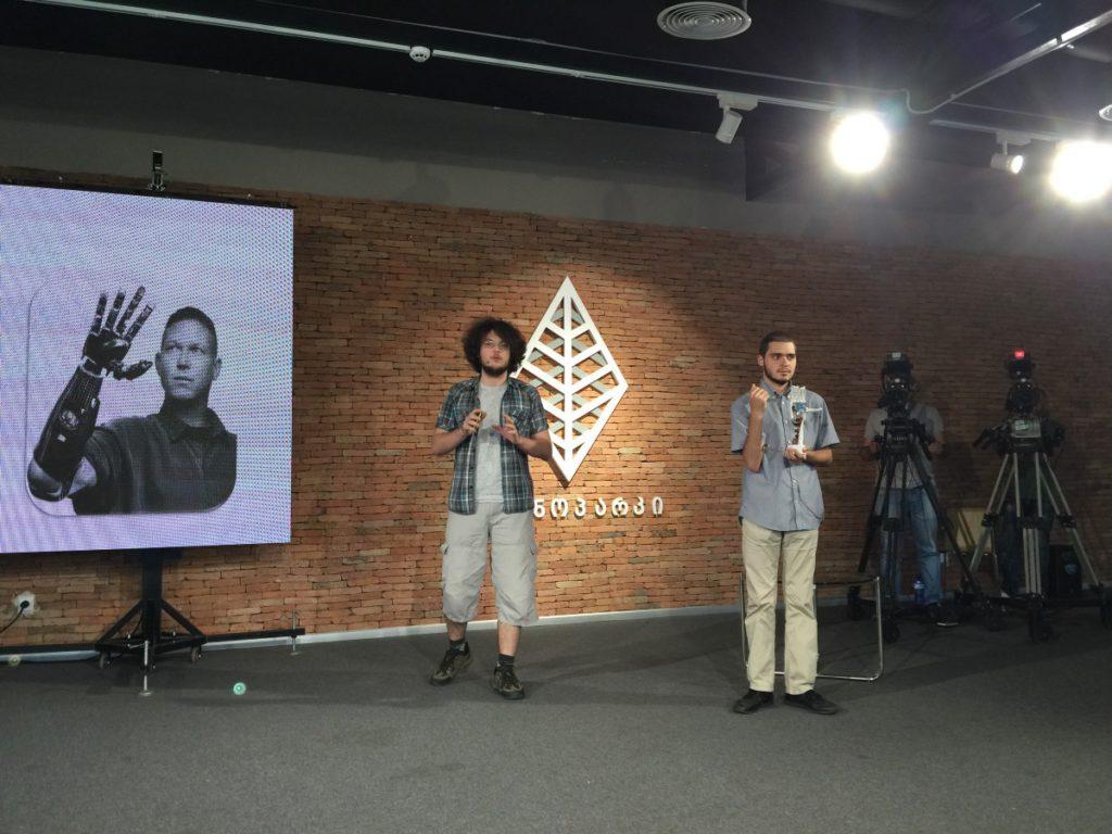 Грузинские разработчики презентуют миоэлектрический протез в Tech Park Georgia