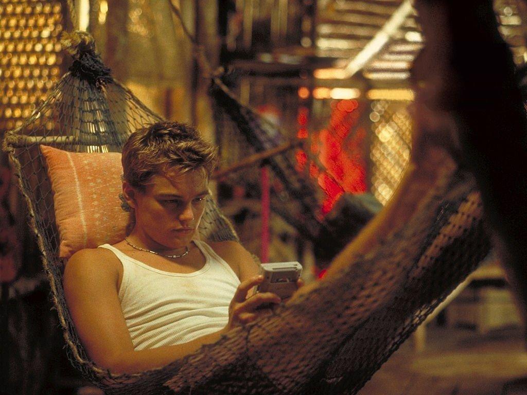 """Фото: кадр из фильма """"Пляж"""" режиссера Дэнни Бойла"""